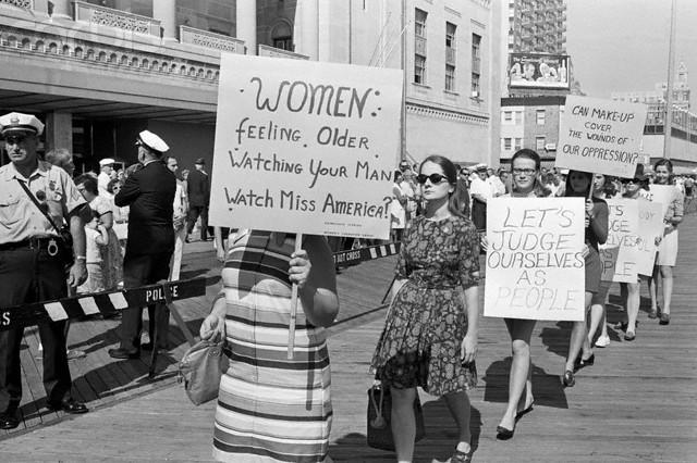 Women In USA in WW2 same as Women in Britain in WW2?