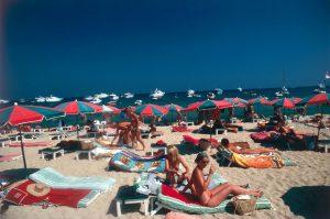 Beach at Saint-Tropez, 1977