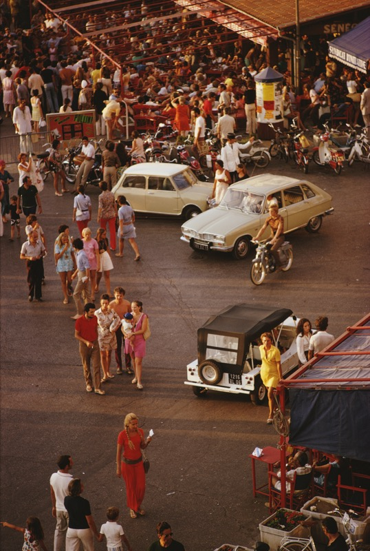 Saint-Tropez: Cars and pedestrians on the busy seafront at Saint-Tropez, in southeastern France, September 1970