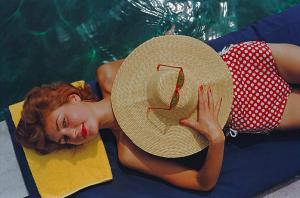 Slim Aarons - Sunbathing in Burgenstock